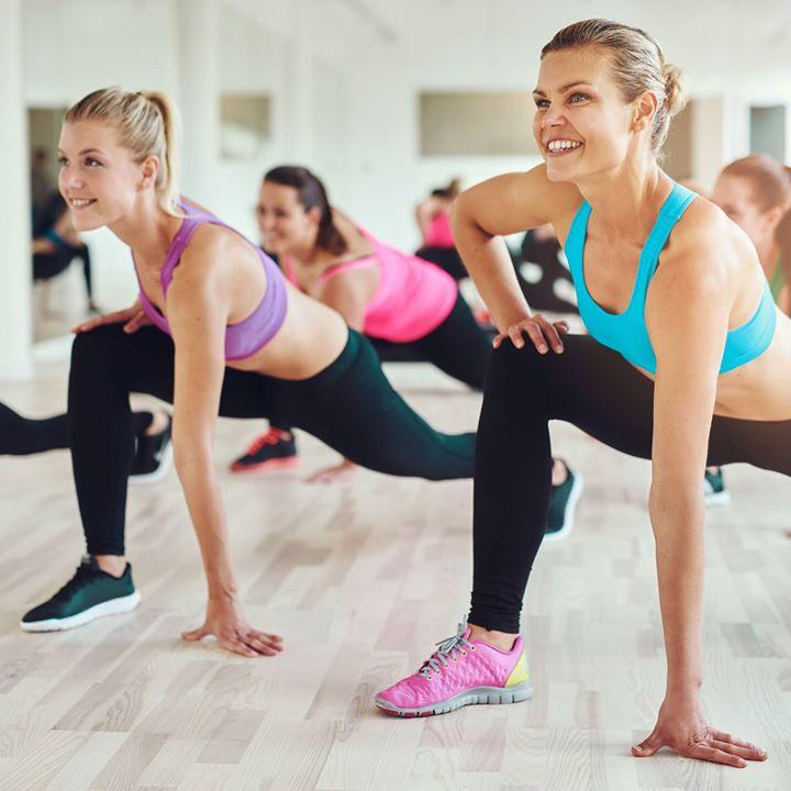 Tunti jakautuu liikkuviin ja lihaskuntojaksoihin. Liikkuvissa osissa nostetaan sykettä hauskoilla ja helpoilla liikesarjoilla. Lihaskunto-osioissa…