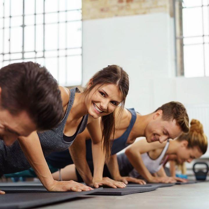 Tänään luvassa HIIT + kehonhallintaharjoitteita jossa yhdistyy venyttely. Tervetuloa!