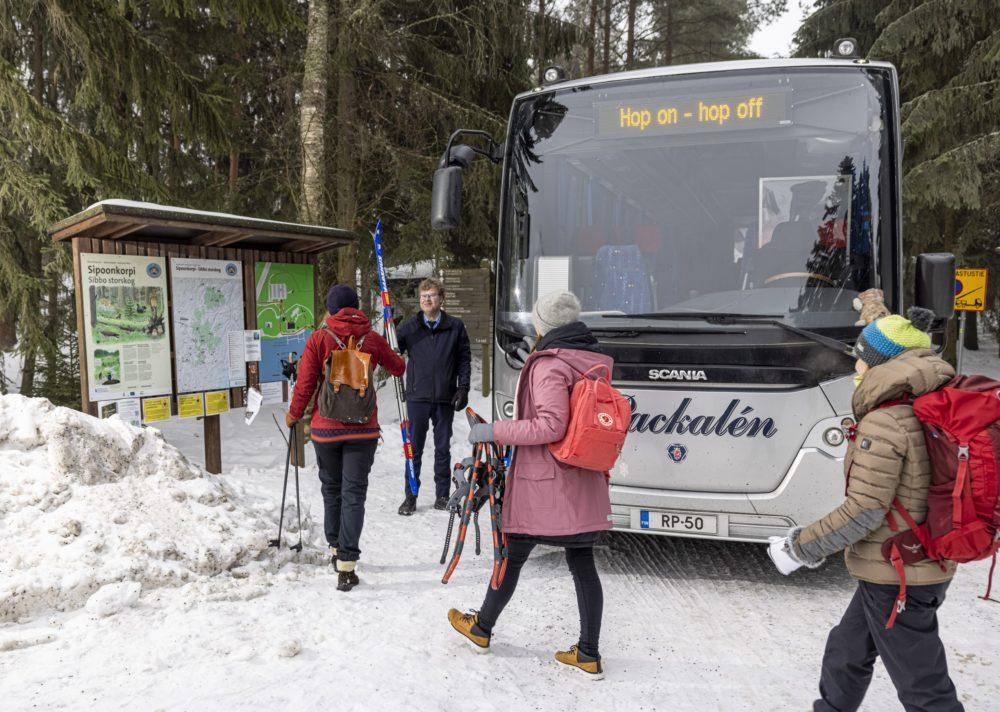 Retki Sipoonkorpeen julkisilla Maaliskuun 29. päivä, koronatilanteen salliessa, aloittaa hop-on-hop-off bussi liikennöinnin. Joka päivä:…